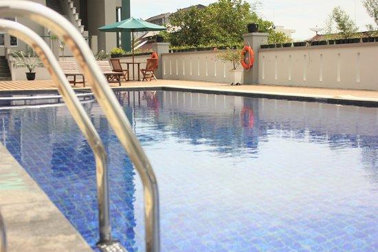 Swiss-Belhotel Pangkalpinang: Swimming Pool