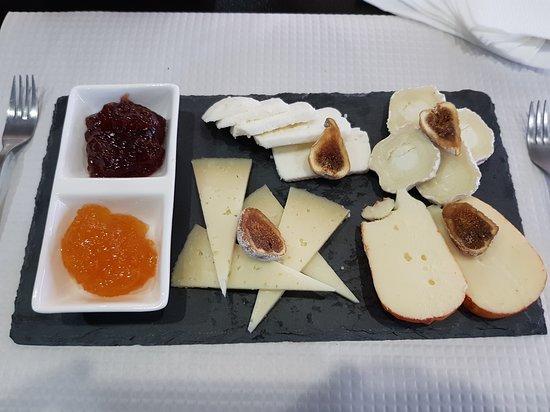 Cafe Samambaia: Tapas de queijos