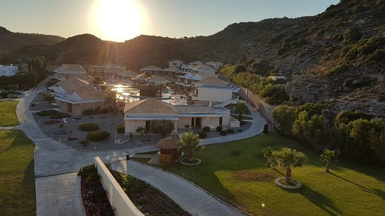 La Marquise Luxury Hotel Resort: La Marquise Luxury Resort Complex