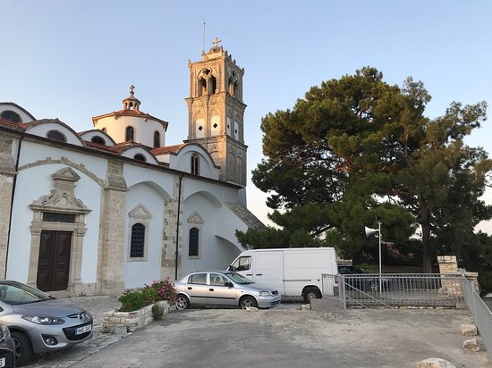 The Church Of Holy Cross: Kostel svatého kříže