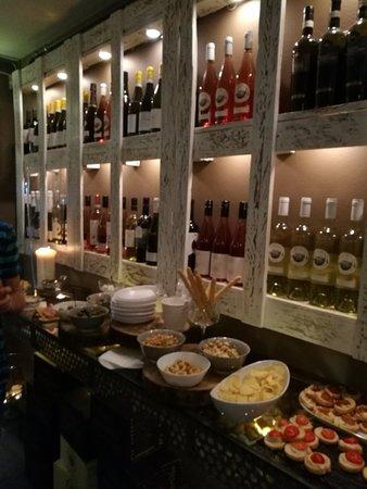 Wineria Aperitivino: IMG_20180627_202609_large.jpg