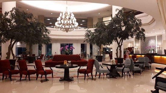 Aryaduta Manado: Lobby hotel