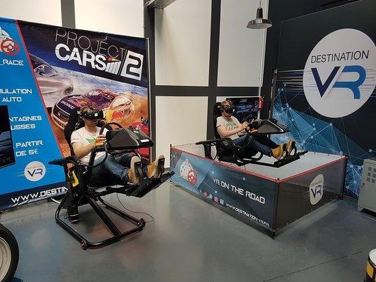 qualité très loué qualité supérieure Simulateurs auto dynamiques, accrochez vos ceintures ...