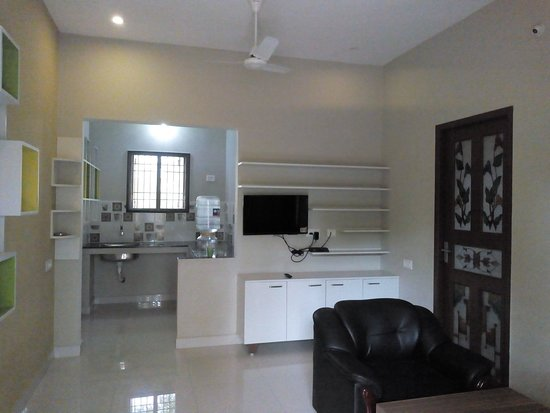 OYO 60273 Spacious 1bhk Near Auroville: Palm Grove Farm House