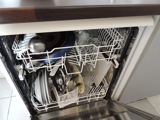 Madame Vacances - Residence Les Rives Marines: lave vaisselle non vidé