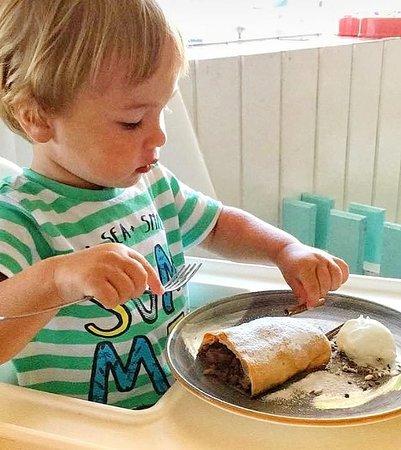 Crouton Restaurant and Bar: Деткам нравятся наши домашние десерты! Наммиии