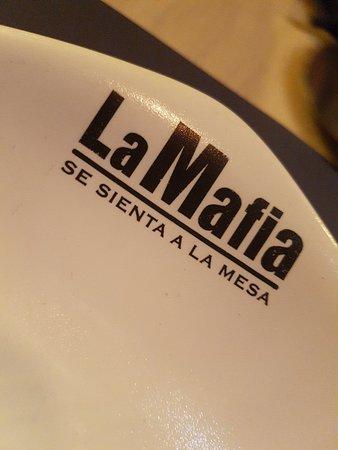 La Mafia se Sienta a la Mesa Foto
