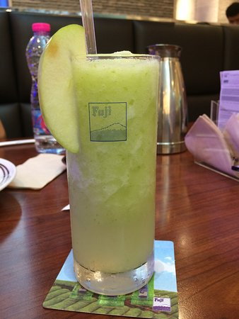 Fuji Japanese Restaurant: apple juice