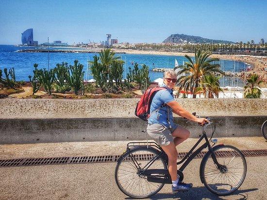 2,5-hour Barcelona City Bike Tour: On the Barcelona Bike Tour - Barceloneta Beach