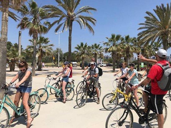 2,5-hour Barcelona City Bike Tour: On the Barcelona Bike Tour