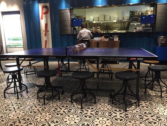 Deli-O (MCP Central): 波枱為餐桌