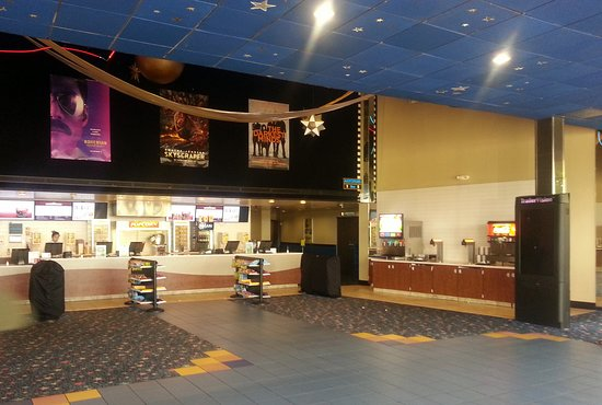 Carpentersville, IL: concession stand at Cinema 12