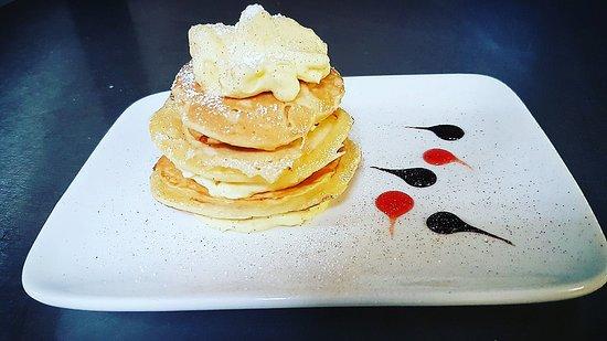 Osteria I Giardini di Giunone: Pancake con crema alla vaniglia e cannella