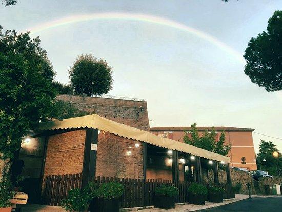 Osteria I Giardini di Giunone: Sotto i colori dell'arcobaleno