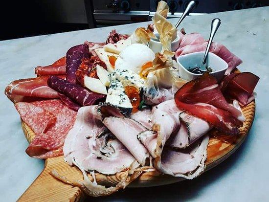Osteria I Giardini di Giunone: Voglia di salumi e formaggi