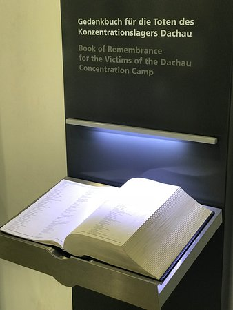 Dachau Concentration Camp Memorial Site: Libro delle vittime