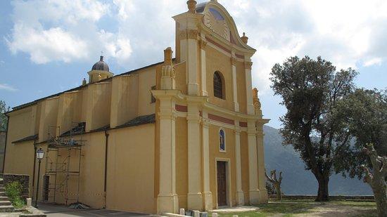 Barrettali, فرنسا: Kirken og kirkepladsen