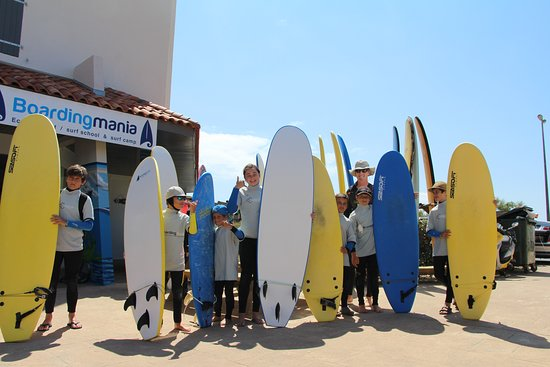 Boardingmania Surf School: funky group ready to go