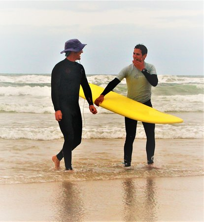 Boardingmania Surf School: private surf lesson