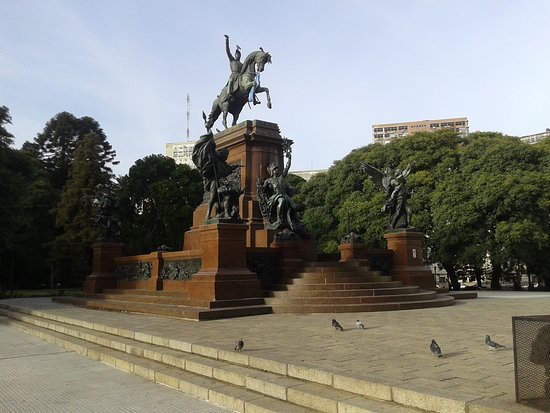 Plaza San Martin: Plaza San Martìn en Barrio de Retiro: Monumento al Gral. San Martìn- Bs.As. 2018.