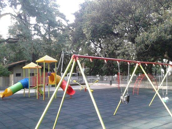 Plaza San Martin: Plaza San Martìn en Barrio de Retiro: Sector Infantil- Bs.As. 2018.