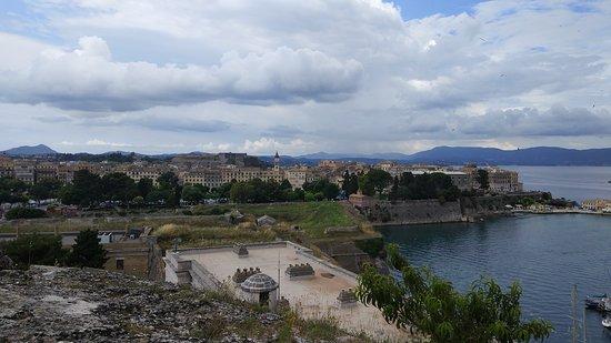 Old Fortress Corfu: Вид на город