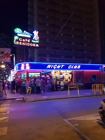 Cafe Benidorm: Hate this bar