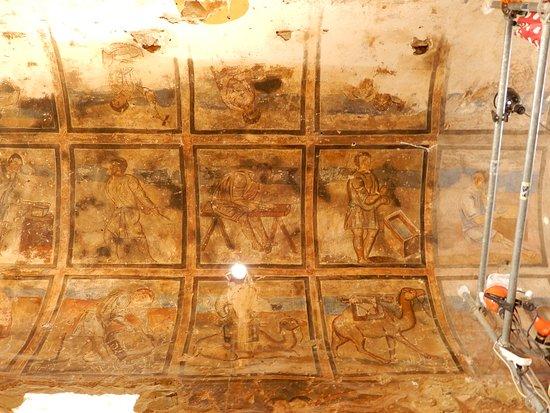 Azraq, Jordan: Hoe Qasr Amra gebouwd werd, staat afgebeeld op een tongewelf.