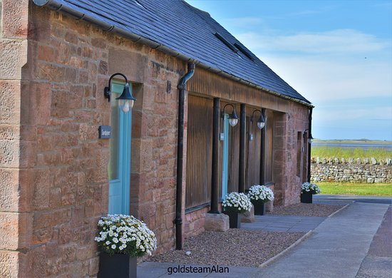 Fenham Farm Bed and Breakfast: 4 rooms with Holy Island in the distance