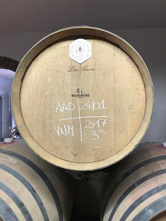 Enoteca Croce Di Febo Biologica: Oak barrels
