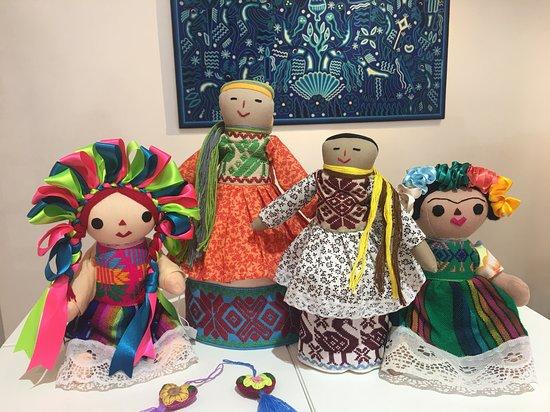 Micuari Arte & Diseno Mexicano: Muñecas de Amealco