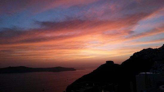 Santorini View Studios: Sonnenuntergang vom Balkon
