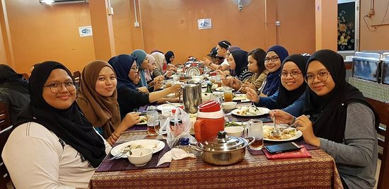 Muslim Family Restaurant: Malaysian student is having dinner at muslim Family Resturant siem reap
