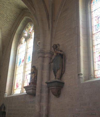 la Collegiale Saint-Hippolyte de Poligny