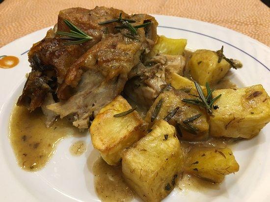 Maialino al forno con patate