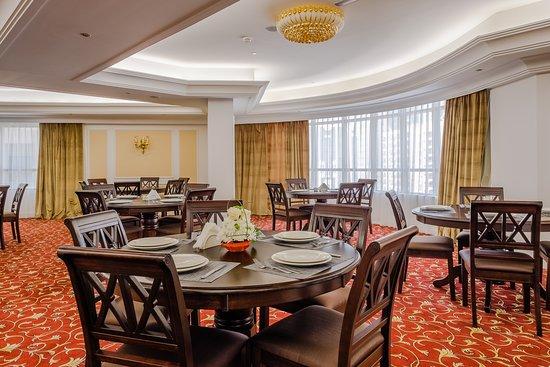Tulip Inn Al Khan: Restaurant
