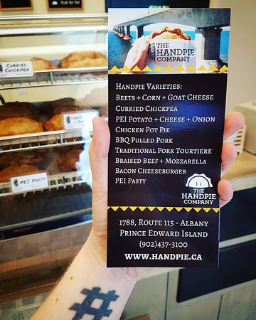 Albany, Canadá: The nine flavour varieties of handpies.