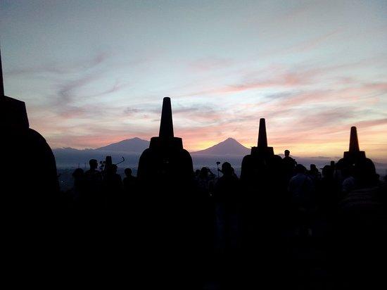 Waroeng Mendut is located closed to Borobudur temple