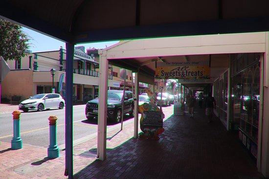 Victor Harbor Mainstreet Precinct: I enjoyed the shade