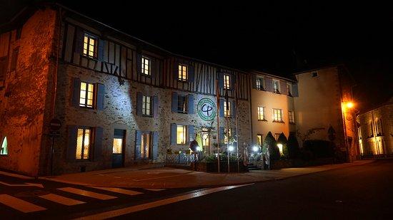 Solignac, Francia: La façade