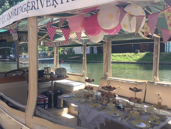 Cambridge River Trips: beautifully decorated