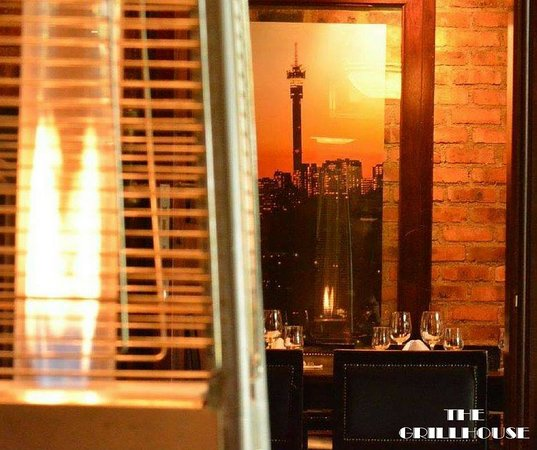 The Grillhouse Rosebank: Its warm inside