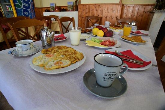 Ioannina Region, Yunani: πρωινο