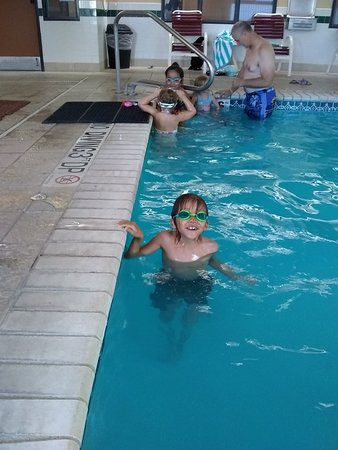 Days Inn & Suites by Wyndham Airport Albuquerque: Great indoor pool