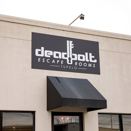 ‪Deadbolt Escape Rooms‬