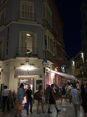 Restaurante DBandera: Very busy late at night