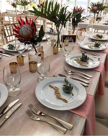 OCEANZ Boutique Hotel Aruba: Dinner setting