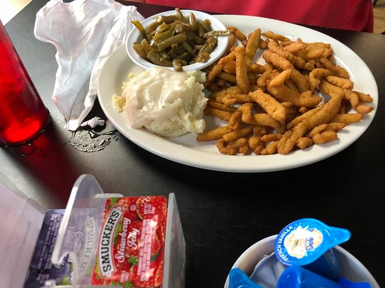 Waterloo, IL: Fried Clams Plate