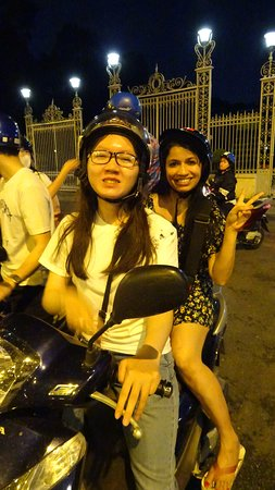 Motorbike Night Adventure in Ho Chi Minh City: My rider Vy