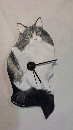 Ginger Loves Colors: Orologio da parete in legno tagliato e dipinto a mano.scegli formato e sagoma oltre al dipinto!